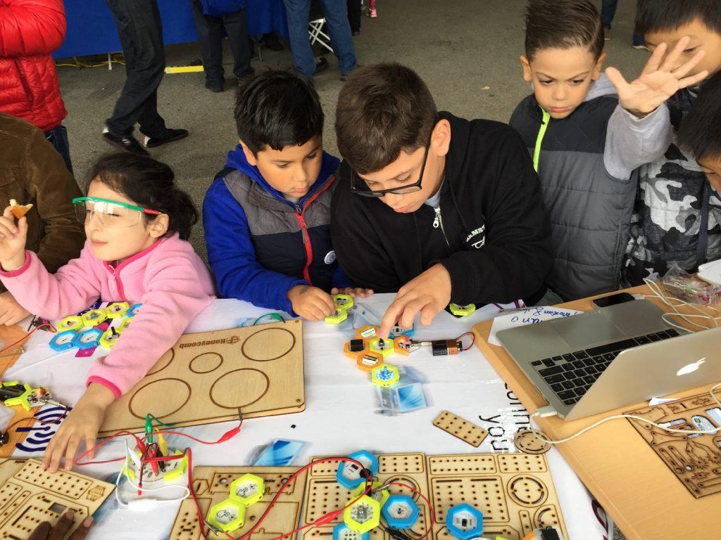 HoneyComb: kids learning